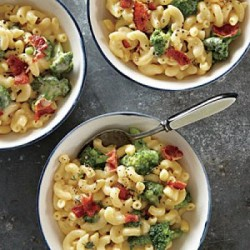 1312p30-broccoli-mac-cheese-m