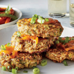 broccoli-cheddar-brown-rice-cakes